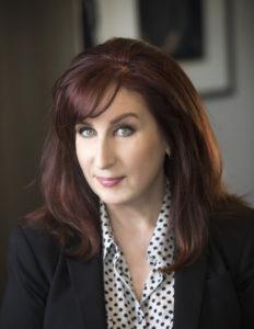 Maryn McKenna Headshot