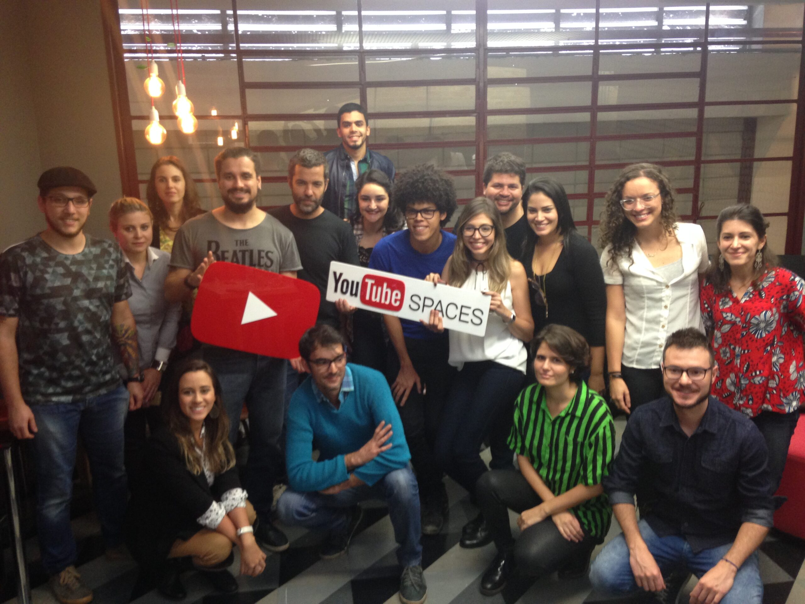 João Wainer and students from the online course at YouTube Space. (Marina Estarque/Knight Center)